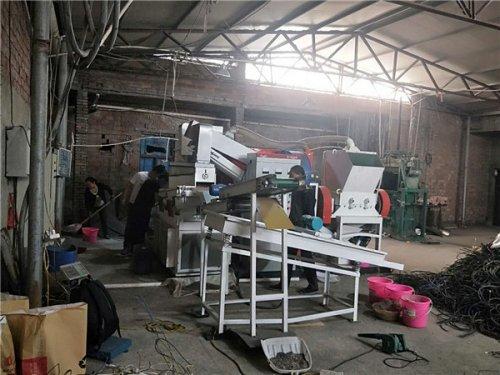 废旧dianxian回收-铜米机安装现场